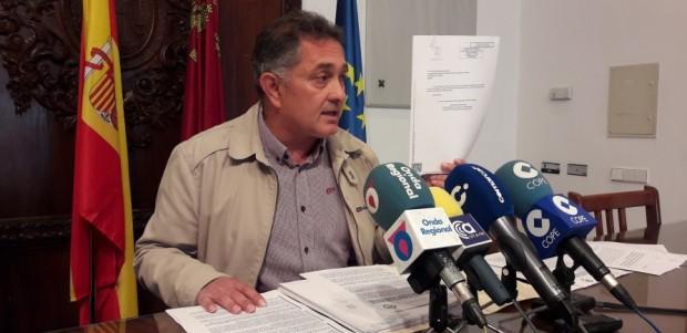 """PP: """"Lorca se plantará si no se hacen los pasos inferiores en Tercia y Villaespesa, no nos van a hacer perder el tiempo mientras nos traen aquí los muros que ni quieren para otras ciudades"""""""
